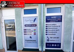naklejki na okna, folia okienna reklama na oknach Przeźmierowo Centrum Reklamowe